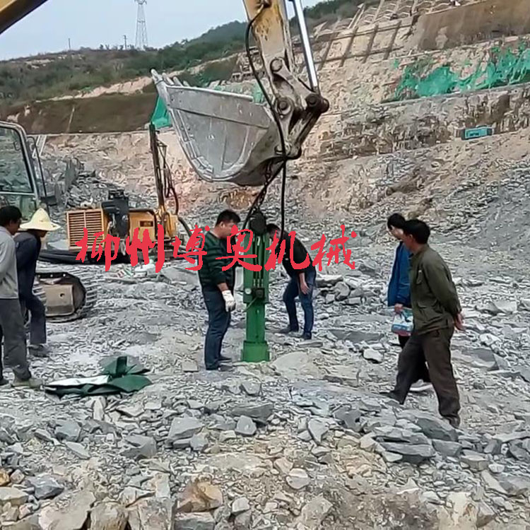 大型矿山设备