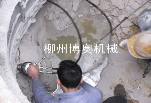 巖石劈裂機的使用維護決定設備的使用壽命