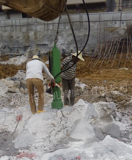 挖机大型岩石分裂机FL300_副本