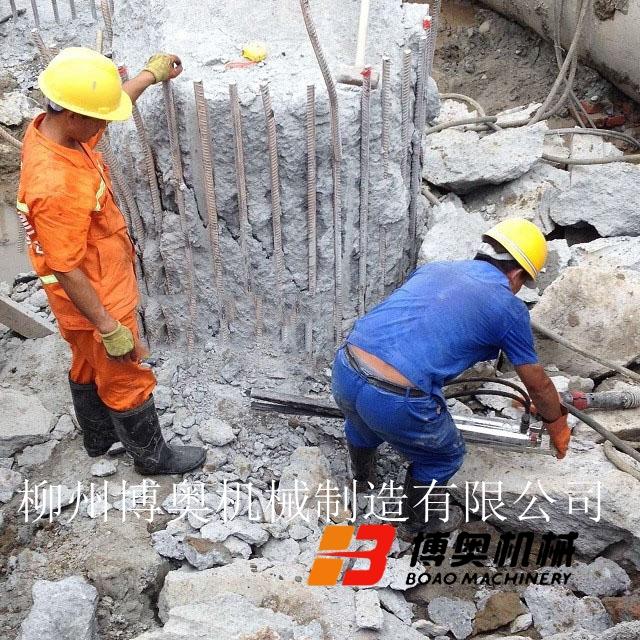 博奧劈裂機成為了靜態快速破拆鋼筋混凝土樁頭的設備
