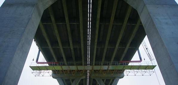 简易桥梁施工平台