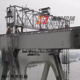 高鐵橋上弦檢查小車